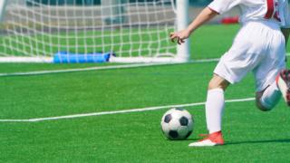 サッカー中学生